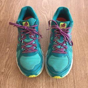 New Balance Shoes - New Balance 561v2 running shoes sz 8.5